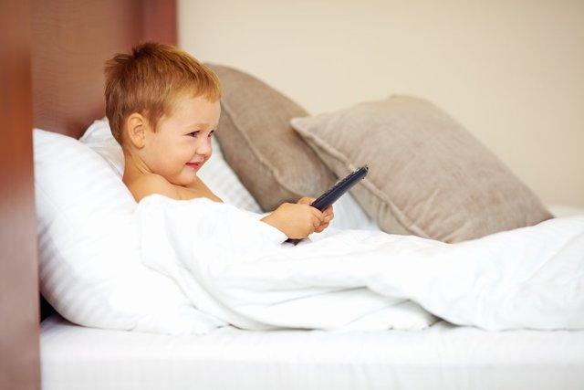 Ребенок и телевизор: влияние на психику ребенка