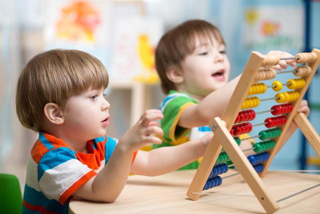 Ребенок приходит из сада и закатывает истерики: советы психолога